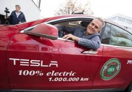 Driver Achieves a World Record of 1 Million Kilometers in a Tesla Model S